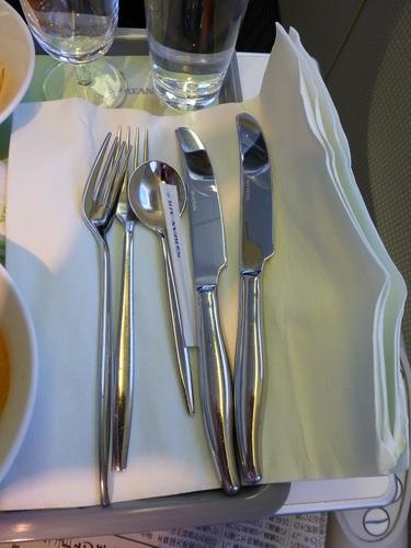 20120816大韓航空ビジネスクラス 食事-カトラリー.jpg