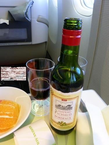 20120816大韓航空ビジネスクラス 食事-ワイン.jpg