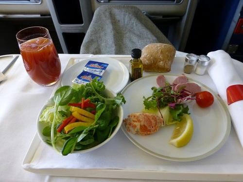 20120817エールフランスビジネスクラス 食事-サラダと前菜.jpg