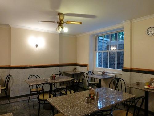 20120902ホテル地下食事室.jpg