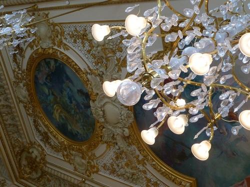 20121007オルセー美術館レストラン天井とシャンデリア2.jpg