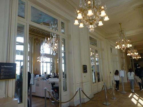 20121007オルセー美術館廊下から見たレストラン2.jpg