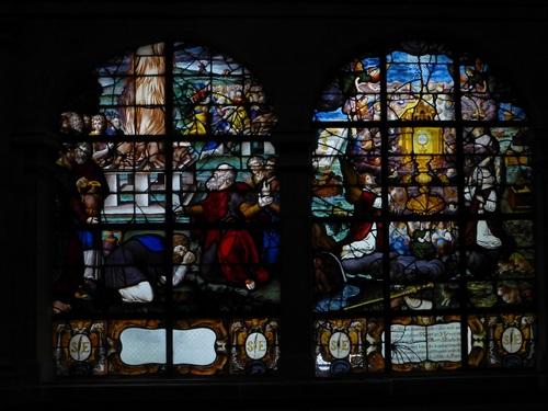 20121014サン・テティエンヌ・デュ・モン教会ステンドグラス1 (2).jpg