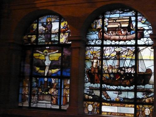 20121014サン・テティエンヌ・デュ・モン教会ステンドグラス6.jpg