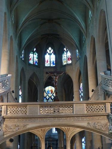 20121014サン・テティエンヌ・デュ・モン教会内部2.jpg
