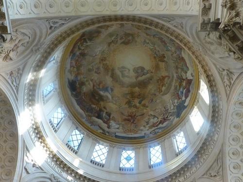 20121023ヴァル・ド・グラース13 教会内部2.jpg