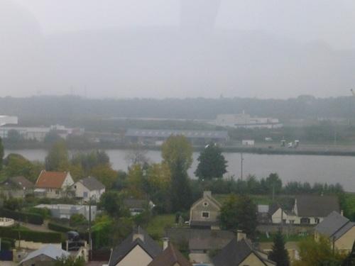 20121025車窓から フランスの田舎の風景2.jpg