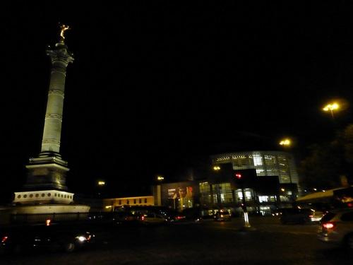20121107夜のバスティーユ広場.jpg