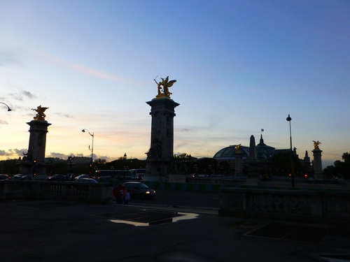 210120911アンヴァリッド駅から見た右岸の夕景.jpg
