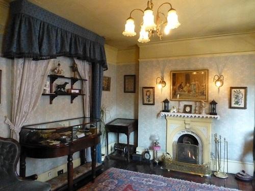 シャーロック・ホームズミュージアム 3階ミセス・ハドソンの部屋2.jpg