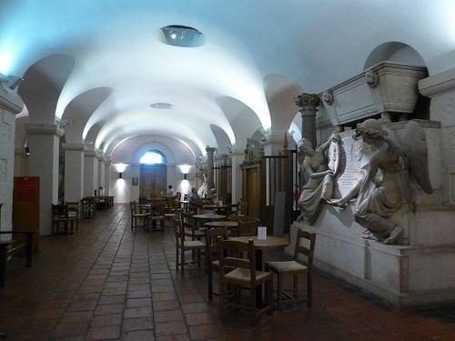 セント・ポール大聖堂地下 カフェ.jpg