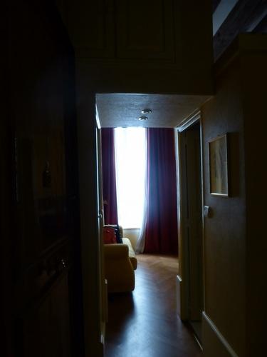 rue d'ECOSSE部屋入り口から.jpg