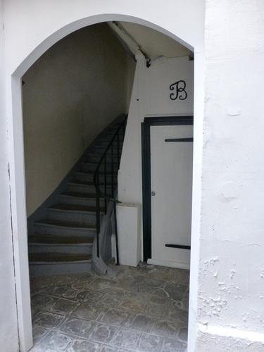 rue d'ECOSSE階段入口.jpg