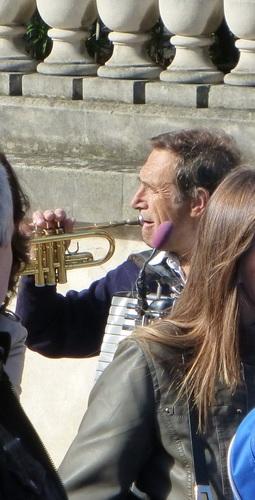 20121007オルセー美術館前で.jpg