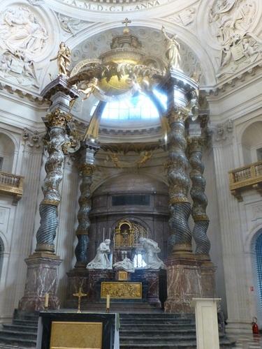 20121023ヴァル・ド・グラース13 教会内部3.jpg