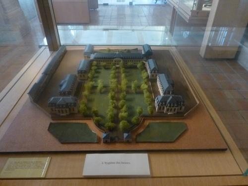 20121023ヴァル・ド・グラース15 博物館5.jpg