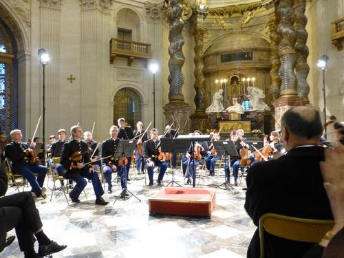 20121111ヴァル・ド・グラース教会コンサート5.jpg