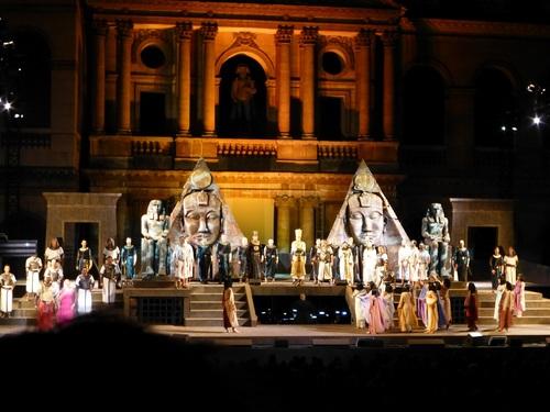210120911野外オペラ劇中.jpg