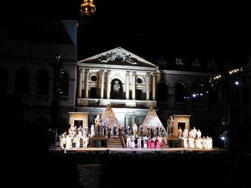210120911野外オペラ舞台挨拶.jpg