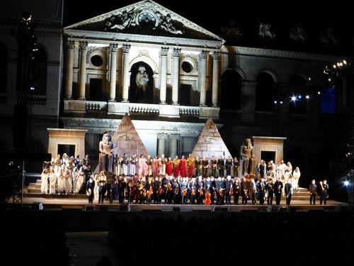 210120911野外オペラ舞台挨拶8.jpg