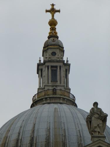 セント・ポール大聖堂のドーム上部.jpg